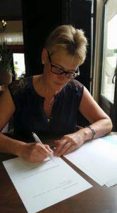 Ondertekening contract met Godijn Publishing